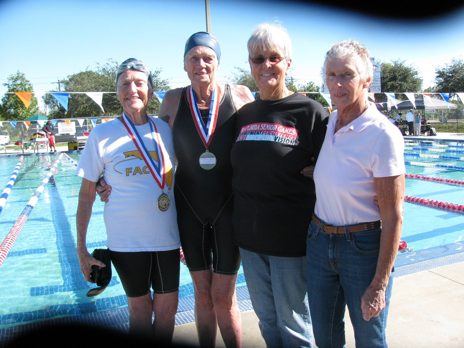 four women 320+ 800 free relay  broke  National SCM Record